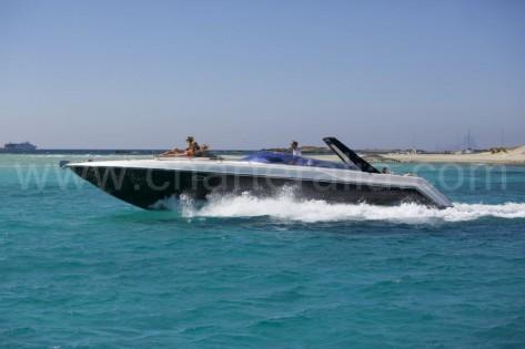 Motora Sunseeker Thunderhawk 43 para alquilar en Ibiza y Formentera