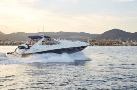 Motora rapida Sunseeker Portofino 46 para alquiler en Ibiza y Formentera