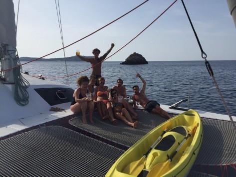 kayak familiar incluido en el cat 52 alquiler de yates de vela en Ibiza y Formentera