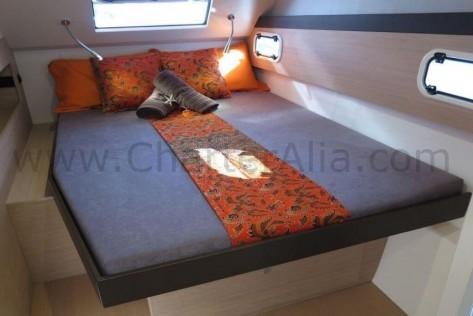 Cabina del Bali 43 catamaran para alquiler en Ibiza