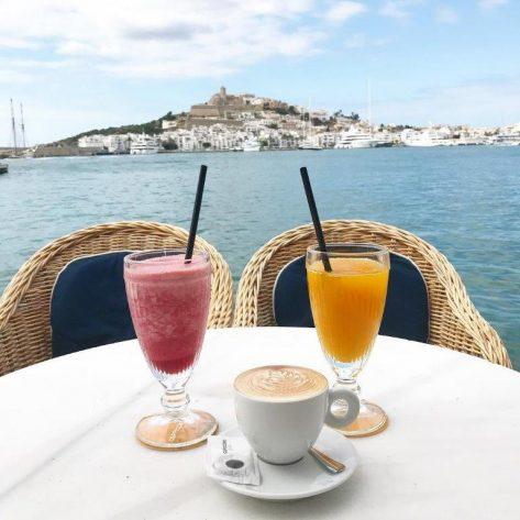 Desayuno en Marina Botafoch