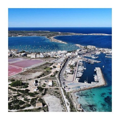 Vista aerea de los puertos de Formentera