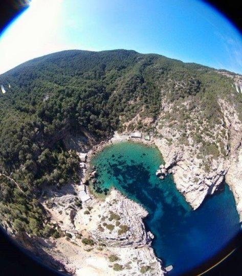 Cala Portitxol en Ibiza desde el aire