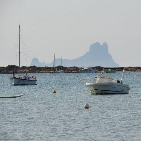 Es Vedrá desde Estany des Peix Formentera