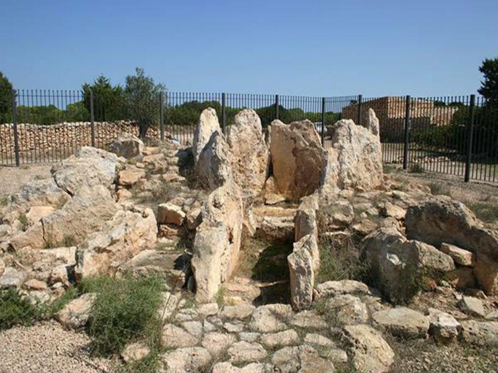 Dolmen Ca na Costa Formentera