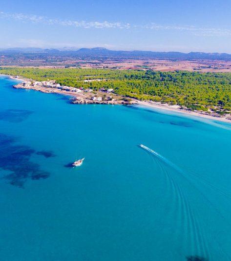 Vista aérea de la playa Es Trenc en Mallorca