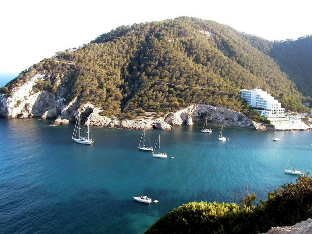 charter Ibiza Cala Llonga