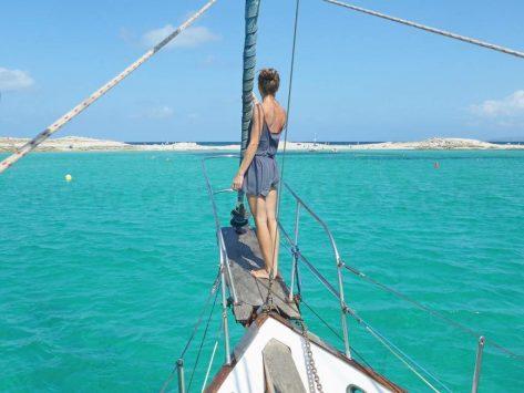 Navegando hacia Illetas en cualquier época del ano