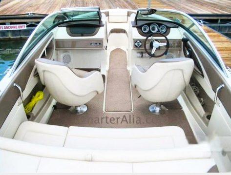 zona exterior alquiler barco de motor Sea Ray 210 en Ibiza y Formentera