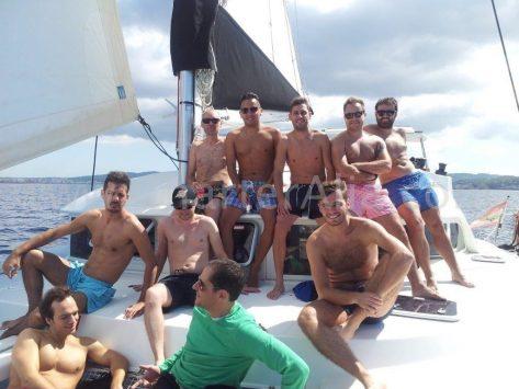 Espacio frontal en el alquiler de catamaran en Formentera Lagoon 380