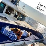 sofá frontal ideal chill out Lagoon 420 alquiler catamaran Ibiza