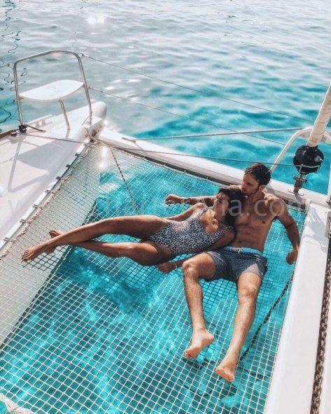 El Lagoon 380 de 2019 es ideal para parejas en alquiler de barco privado o compartido