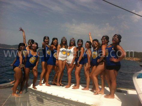 Fiestas de despedidas de soltera en catamaran en Baleares
