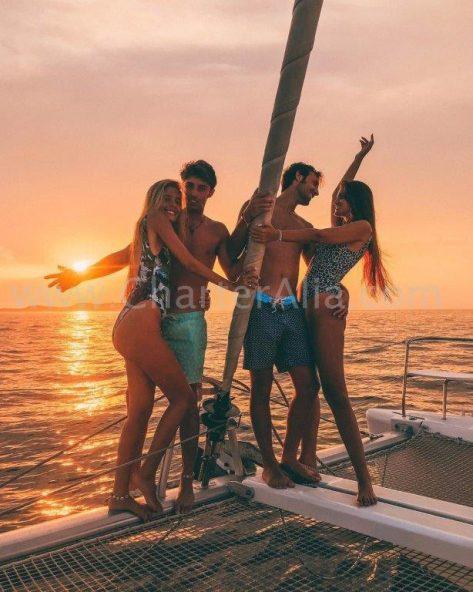 Las mejores puestas de sol desde Cafe Mambo y Cafe del Mar a bordo de nuestros catamaranes