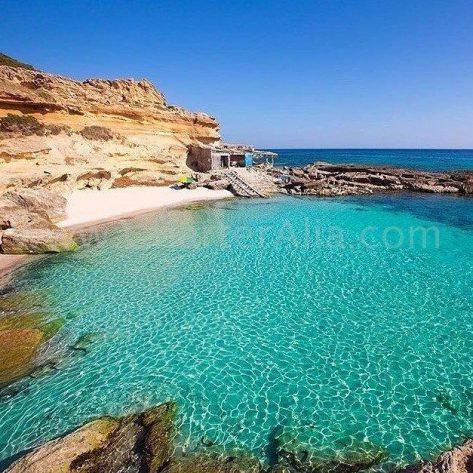 Uno de los extremos menos conocidos de Cala Saona al oeste de Formentera