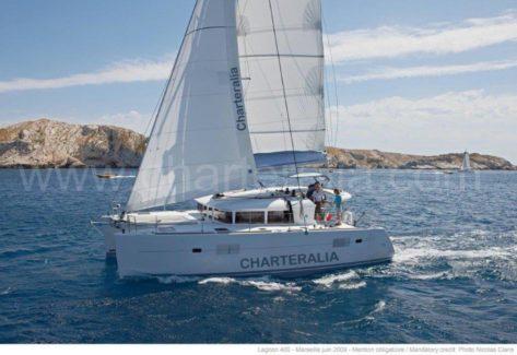 Alquiler de catamaran Lagoon 400 con aire acondicionado en Ibiza y Formentera